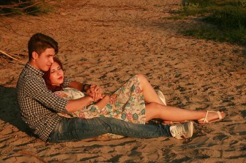 couple-913236_640